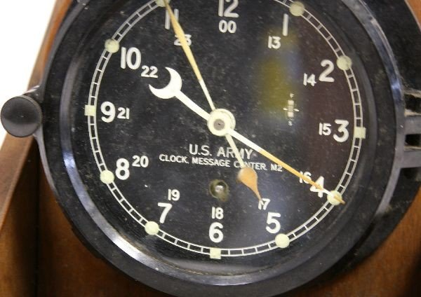US ARMY CHELSEA CLOCK MESSAGE CENTER M2 BOXED - 2