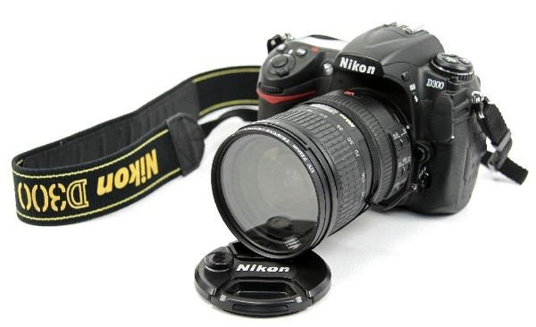 NIKON D300 SLR CAMERA WITH VR 18-200MM LENS