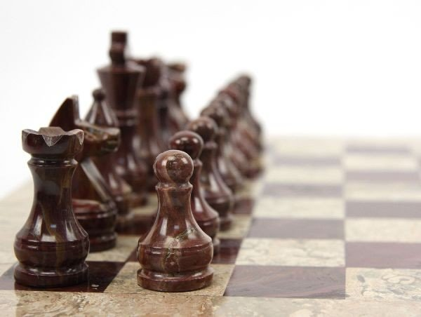 HAND CRAFTED MARBLE & GRANITE PAKISTANI CHESS SET - 2