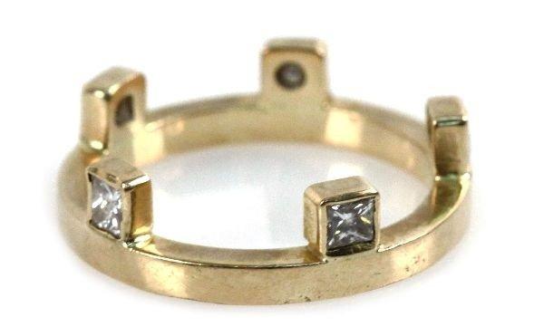 LADIES 18K YELLOW GOLD DIAMOND CROWN RING