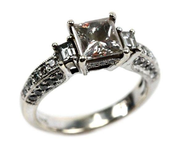 18K FANCY LT YELLOW PRINCESS CUT DIAMOND RING 2CTW