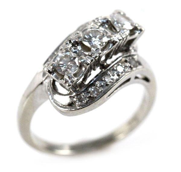 LADIES 14K GOLD AND DIAMOND ART DECO STYLE RING