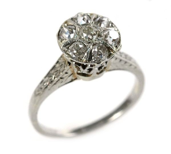 LADIES VINTAGE WHITE GOLD & DIAMOND FILIGREE RING