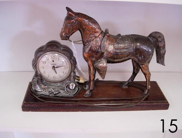 15: VINTAGE 1950s LINCOLN HORSE ELECTRIC ANALOG MANTLE