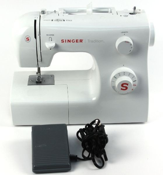 SINGER TRADITIONS NEW SEWING MACHINE