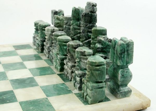 HAND CARVED MEXICAN ONYX CHESS SET - 2