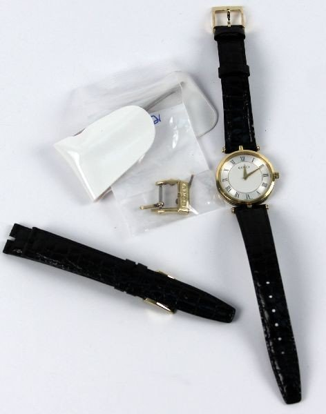 LADIES GUCCI WATCH WITH BLACK LEATHER BAND