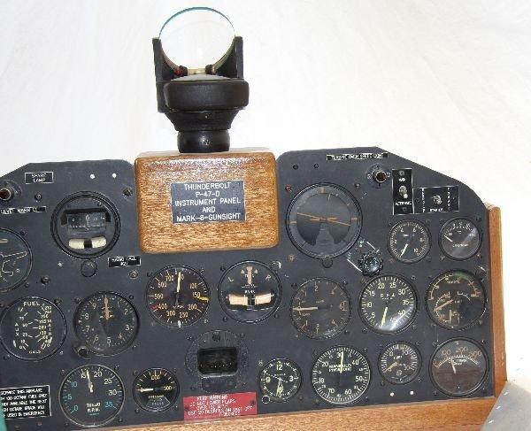 WWII P-47 COCKPIT WINDSHIELD & INSTRUMENT PANEL - 2