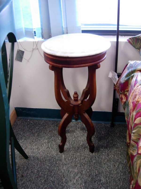 90008: VINTAGE ITALIAN MARBLE TOP PLANT STAND CHERRY CA