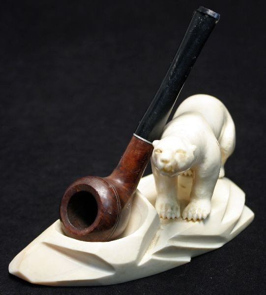 WALRUS TOOTH CARVING PIPE HOLDER & PIPE