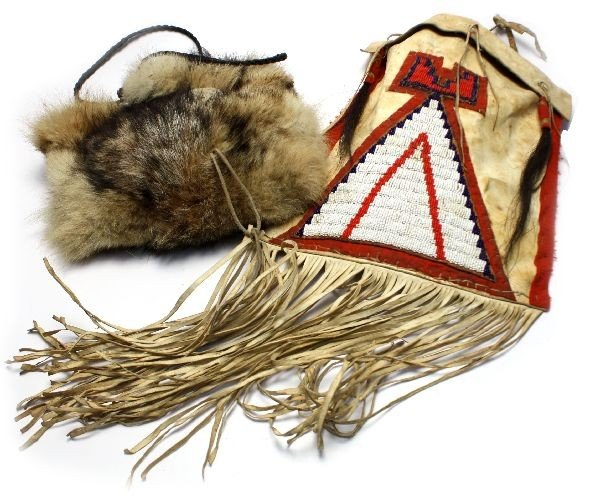 EARLY 1900 NATIVE AMERICAN BEADED TEEPEE BAG PLUS