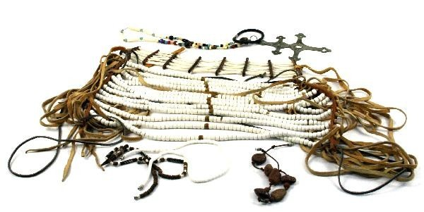 MIXED LOT OF NATIVE AMERICAN JEWELRY