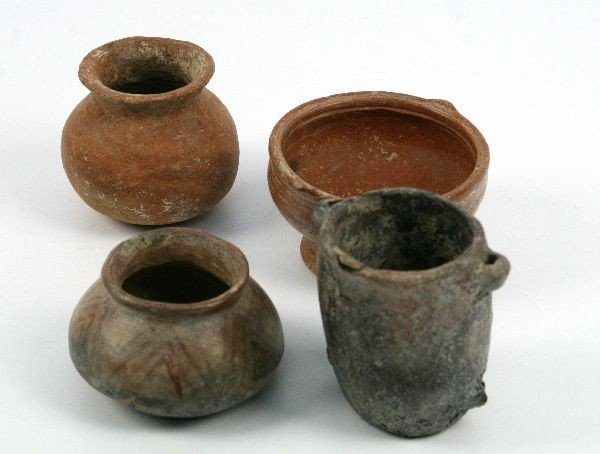 LOT OF FOUR PRECOLUMBIAN VESSELS AND ONE CLAY BALL