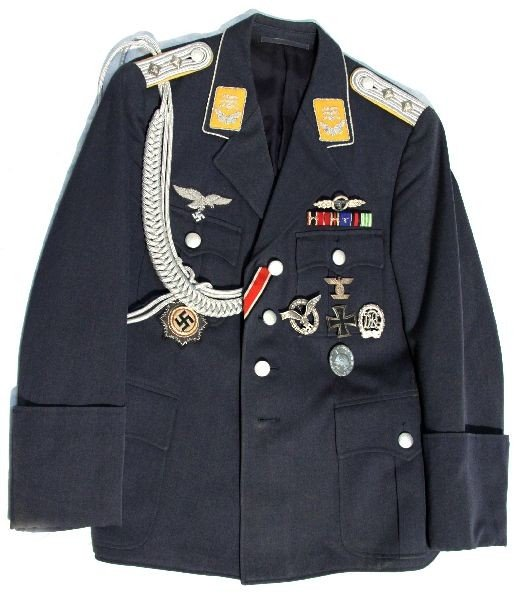 WWII HAUPTMANNN LUFTWAFFE OFFICERS TUNIC & MEDALS