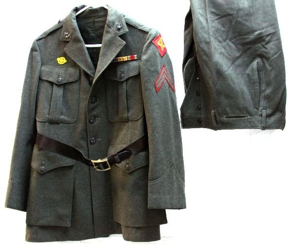 WWII 4TH MARINE DIVISION UNIFORM WITH LEATHER BELT