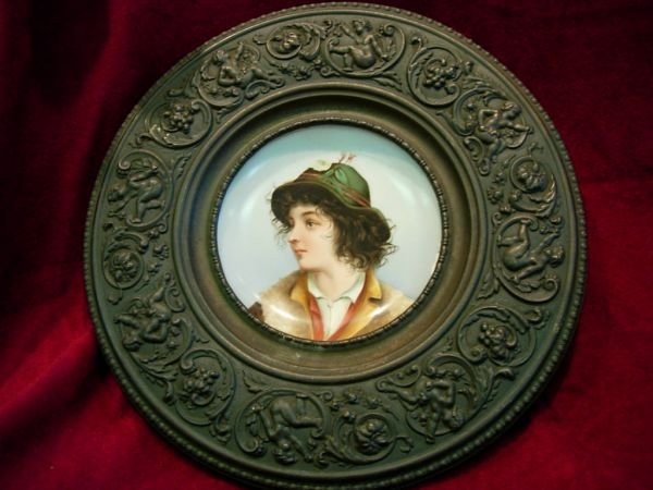 92419: VICTORIAN CHARGER HAND PAINTED PORCELAIN PORTRAI