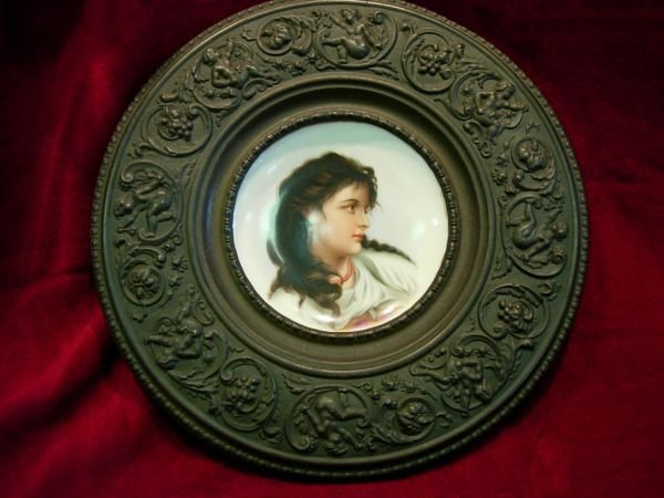 92420: VICTORIAN CHARGER  HAND PAINTED PORCELAIN PORTRA