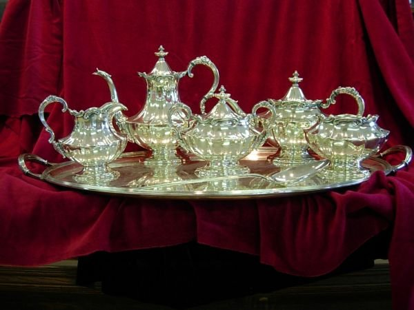 92423: ANTIQUE REED BARTON VICTORIAN SILVER PLATE TEA S