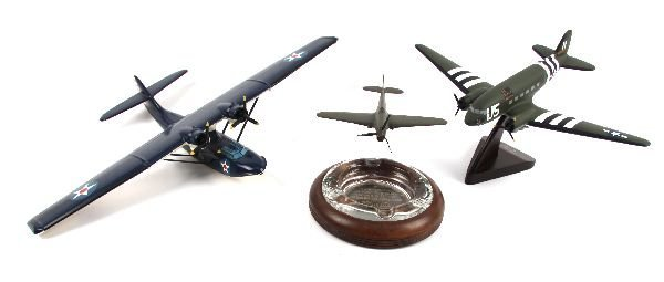 COLLECTION OF MODEL WWI & WWII PLANES W ASHTRAY