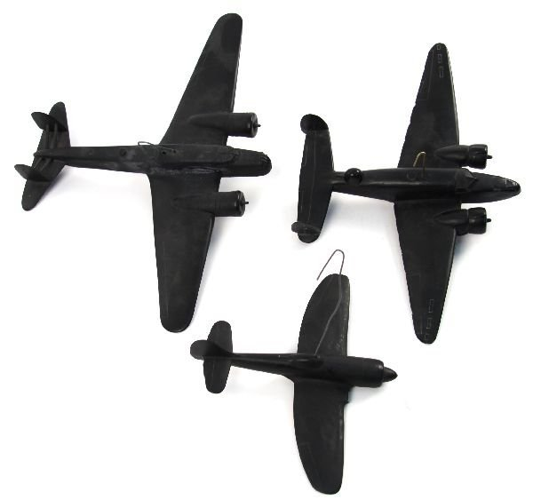 COLLECTION OF 3 CRUVER WWII RECOGNITION MODELS