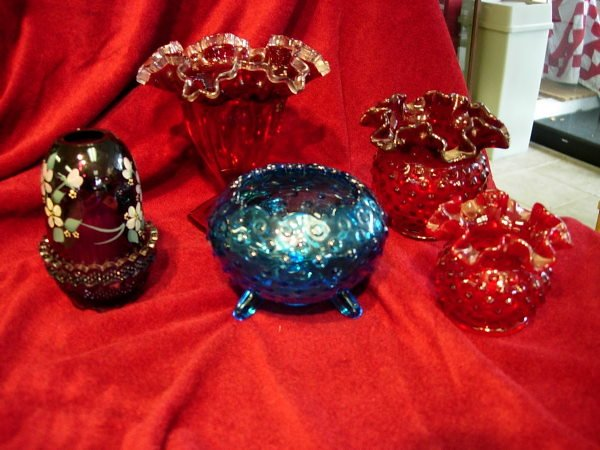 10023: FENTON COLORED GLASS LOT OF 5 PURPLE AMETHYST HA