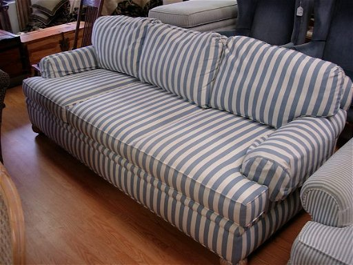 10171: PEARSON BY LANE SOFA COUNTRY BLUE STRIPED SOFA W