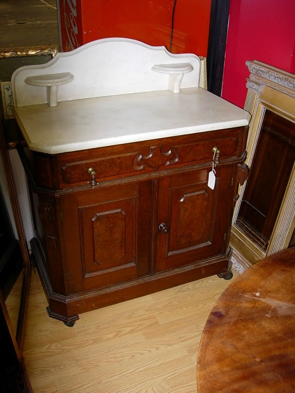 10242: ANTIQUE MAHOGANY WASHSTAND W MARBLE TOP BEAUTIFU