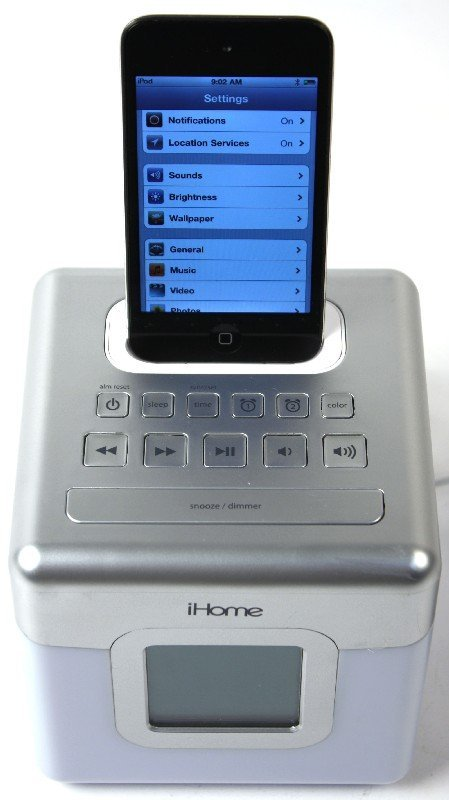 IPOD TOUCH 8GB MC54oLL WITH IHOME GLOW TUNES - 3