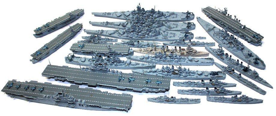 27 WWII US NAVY WATERLINE SHIP MODELS NEPTUN