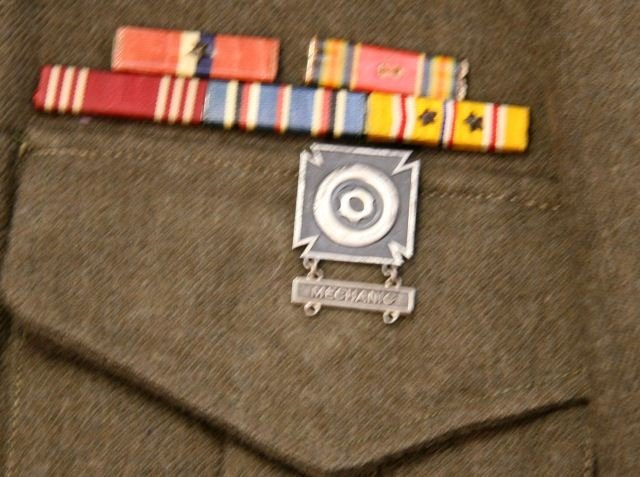 WWII US ARMY AIR CORP IKE JACKET WITH INSIGNIA - 4
