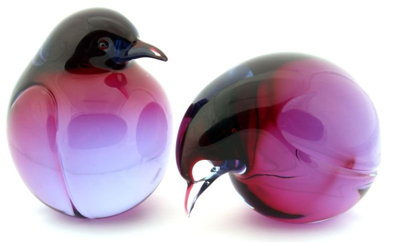 PAIR OF HAND SIGNED LIVIO SEGUSO SOLID GLASS BIRDS