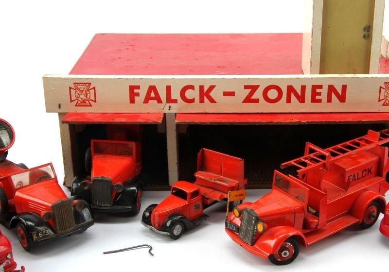 ANTIQUE FALCK-ZONEN FIRE STATION WITH TEKNO TRUCKS - 2