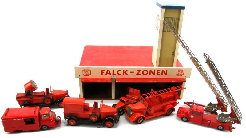 ANTIQUE FALCK-ZONEN FIRE STATION WITH TEKNO TRUCKS - 4