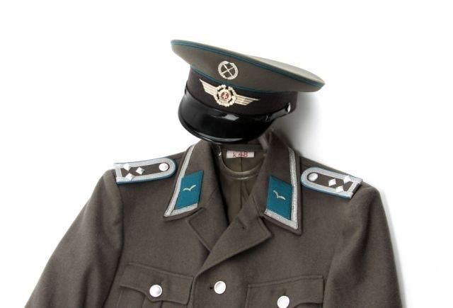 EAST GERMAN AIR FORCE NCO UNIFORM - 2