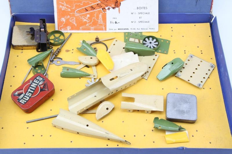 1930'S MECCANO FRANCE AIRPLANE CONSTRUCTOR SET