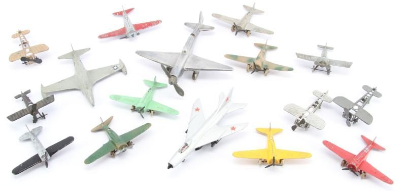 16 RARE TOY METAL AIRPLANE LOT TOOTSIE DEPOSE