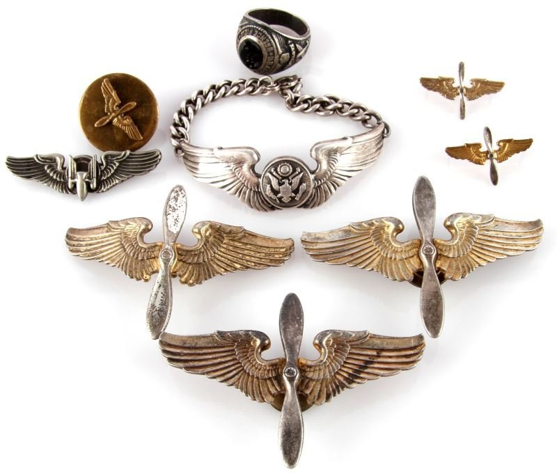 WWII ARMY AIR CORP STERLING WING & INSIGNIA LOT