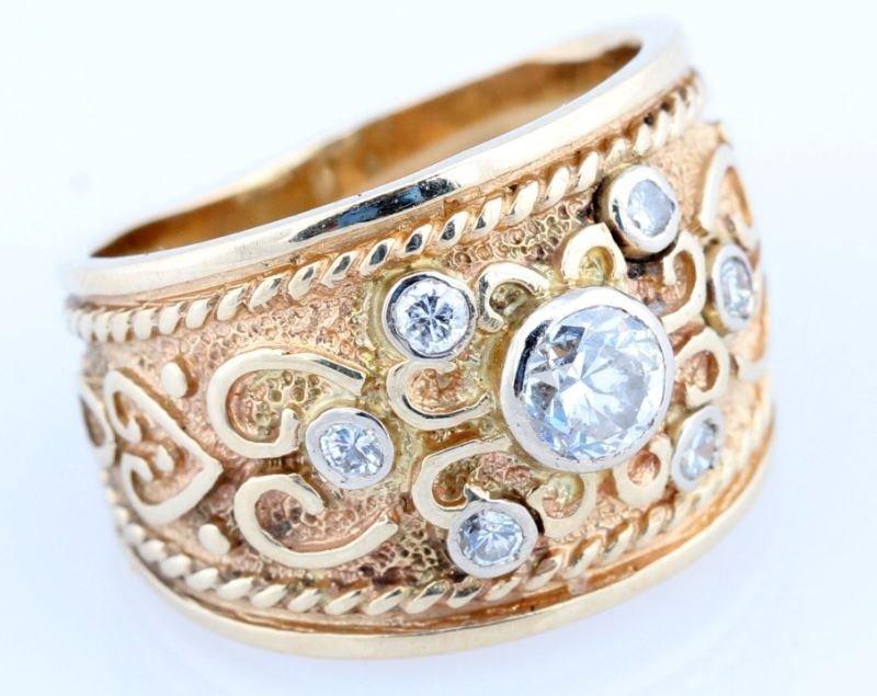 VINTAGE LADIES 14K YELLOW GOLD DIAMOND RING