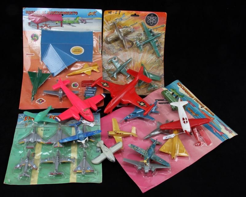 VINTAGE PLASTIC TOY AIRPLANE COLLECTION FRICTION