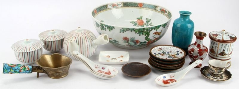 LOT OF MIXED VINTAGE CHINA AND ORIENTAL PIECES