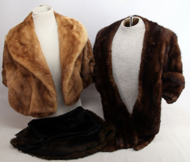 LOT OF FUR STOLES AND WRAPS