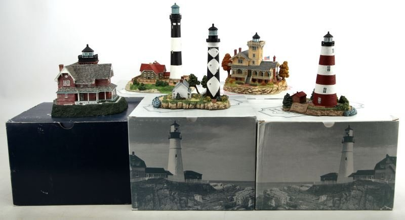 FIVE DIFFERENT HARBOUR LIGHTS LIGHTHOUSES BOXED