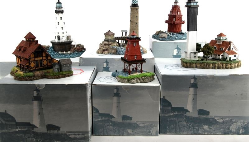 GROUP OF 6 HARBOUR LIGHTS LIGHTHOUSES BOXED LOT