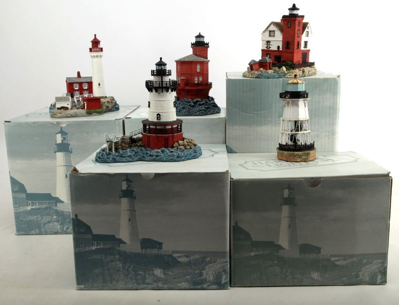 5 DIFFERENT HARBOUR LIGHTS LIGHTHOUSES BOXED