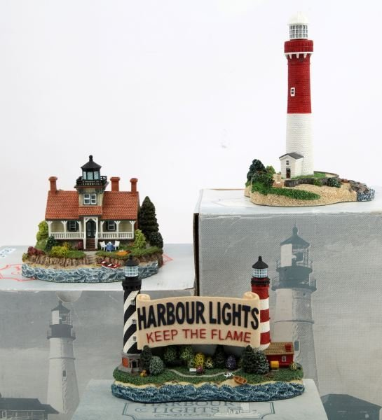 GROUP OF 3 HARBOUR LIGHTS LIGHTHOUSES IN BOX