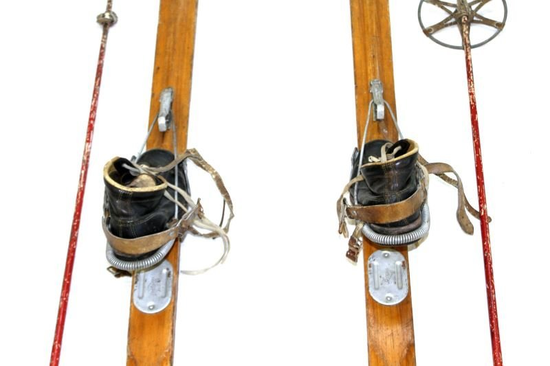 WWII NORTHLAND US MILITARY SKIS WITH POLES & SHOES - 3