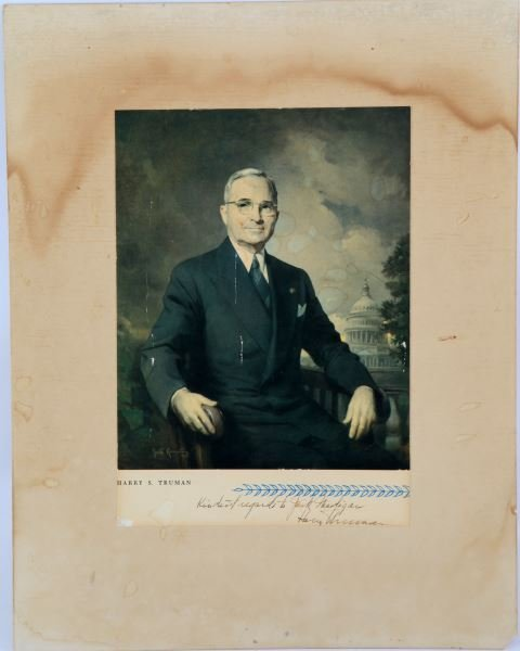 PRESIDENT SIGNED PORTRAIT LITHO OF HARRY S TRUMAN