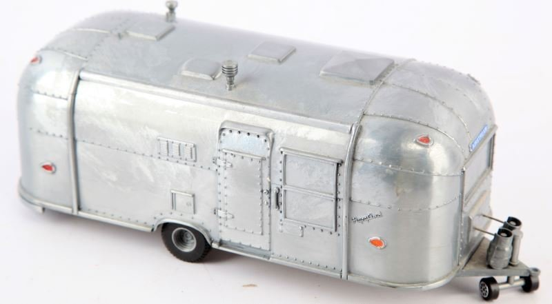 1962 FLYING CLOUD AIRSTREAM TRAILER DIE CAST 1:18