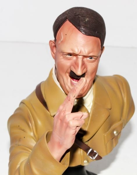 HITLER & TOJO BUSTS BY COLLECTORS SHOWCASE - 3