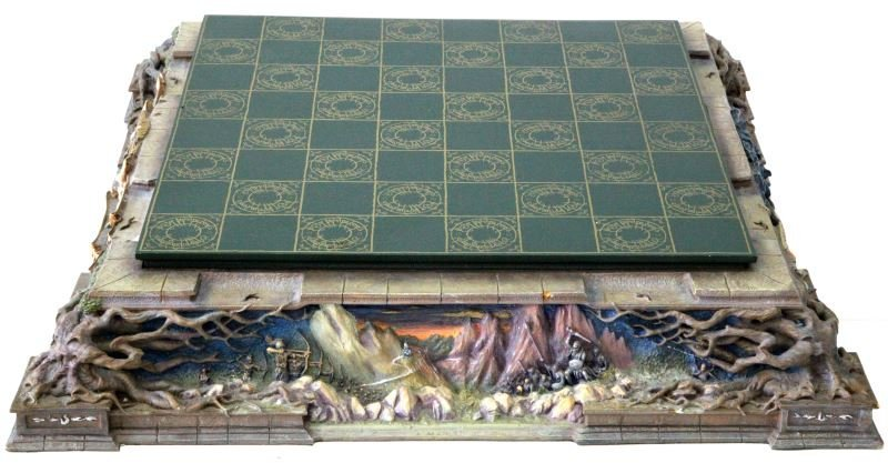 LORD OF THE RINGS FRANKLIN MINT CHESS SET - 6